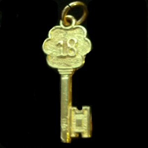 18th birthday Key pendant 9ct Gold