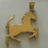 18ct-gold-Ferrari-pendant-hallmark