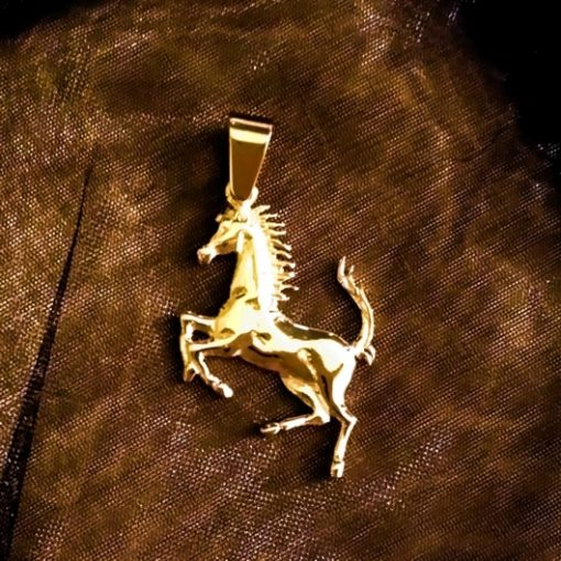 18ct 18kt Gold Ferrari Horse pendant
