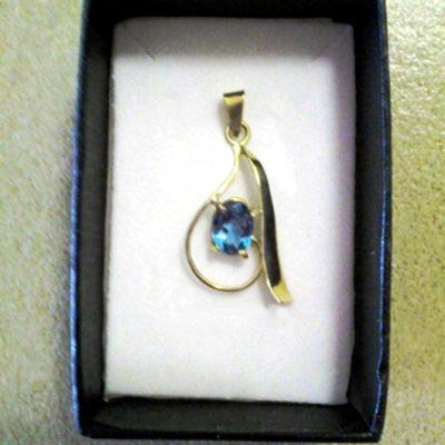 18ct Gold Pendant blue Topaz