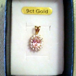 9ct Gold pendant cluster pink clear zirconia