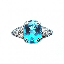 14kt white Gold ring blue stone