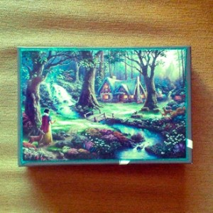 Box Snow White for storing your special keepsakes