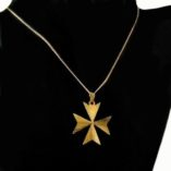 9ct-gold-maltese-cross-pendant-diamond-cut-2.6cm