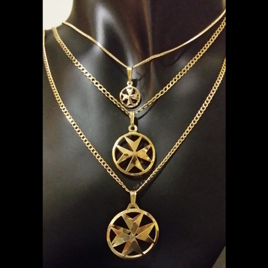 9ct gold maltese cross double sided pendant 26cm aloadofball Image collections