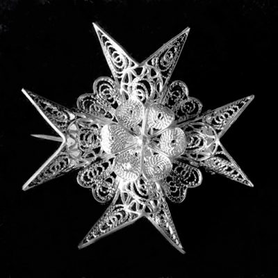 Sterling Silver filigree Maltese Cross brooch 4cm Vintage 1960's