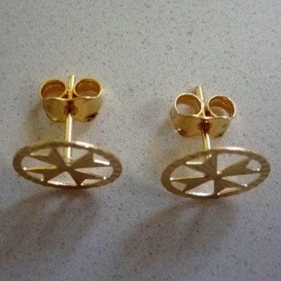 9ct Gold Maltese Cross diamond cut circle stud earrings