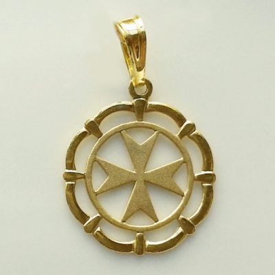 9ct Gold Maltese Cross framed circle pendant 1.5cm