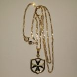 9ct-gold-Maltese-Cross-Coat-of-Arms-pendant-Figaro-chain