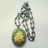 cameo-Garden-Fairy-ivory-green-40x30mm-Star-chain-530px
