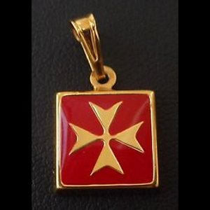 9ct Gold Maltese Cross pendant square Red