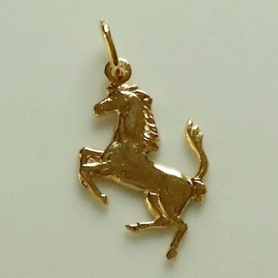 9ct gold Ferrari prancing horse charm pendant