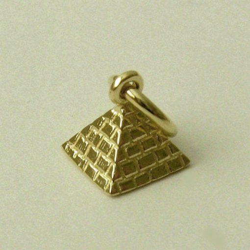 9ct gold Pyramid charm pendant