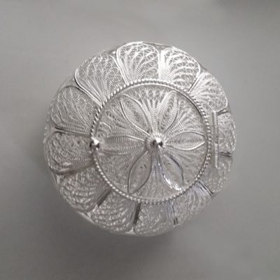 Sterling Silver filigree keepsake box Round 6 leaf