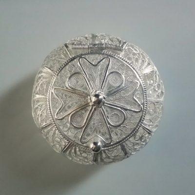 Silver filigree keepsake trinket box