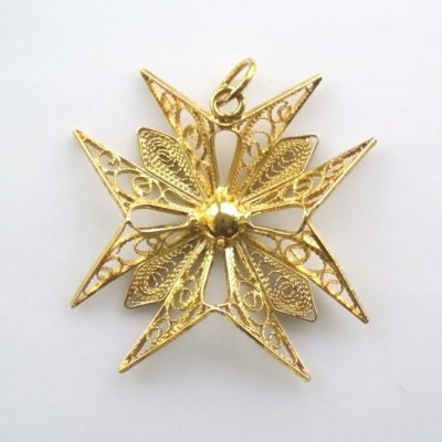 18ct Gold filigree Maltese Cross pendant 3.1cm