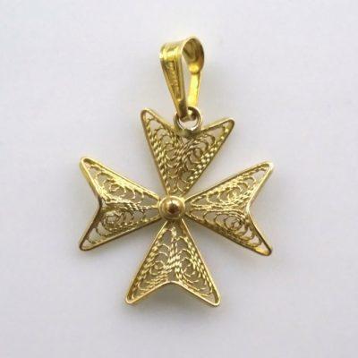 9ct Gold filigree Maltese Cross pendant 1.8cm