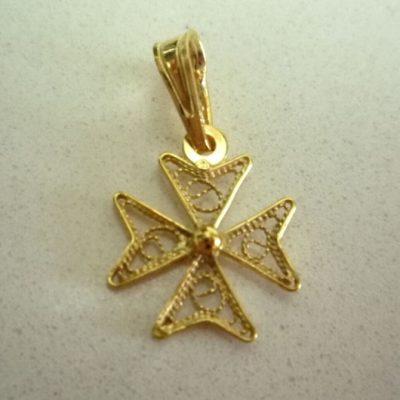 9ct Gold filigree Maltese Cross pendant charm 1.2cm
